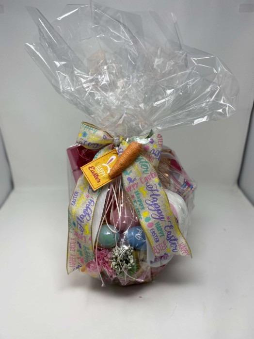 Happy Easter 2021 basket gift lightly pink
